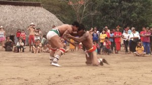 Índios lutando o Huka-Huka