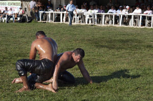 1024px-20110911_Oil_wrestling_Alantepe_Rhodope_Thrace_Greece_1