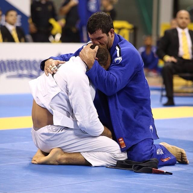 Bernardo Faria chora após mais uma derrota para