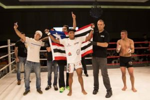 Brendo Bispo, com a equipe Chute Boxe Diego Lima