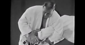 Kimura by Kimura: Lendário lutador japonês ensina a finalização que leva seu nome, com a qual quebrou o braço de Hélio Gracie!